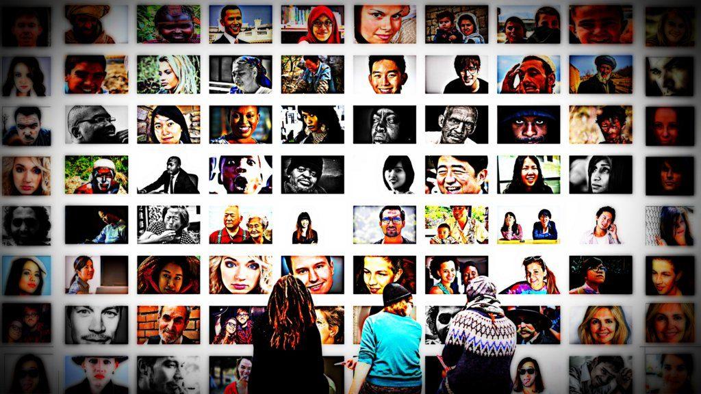 menschen betrachter ausstellung fotomontage | Creative Commons CC0 1.0 Universal Public Domain; Dedication via Pixabay